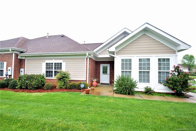 2447 Clarks Wynd, Matthews, NC 28105 (#3384366) :: Charlotte Home Experts