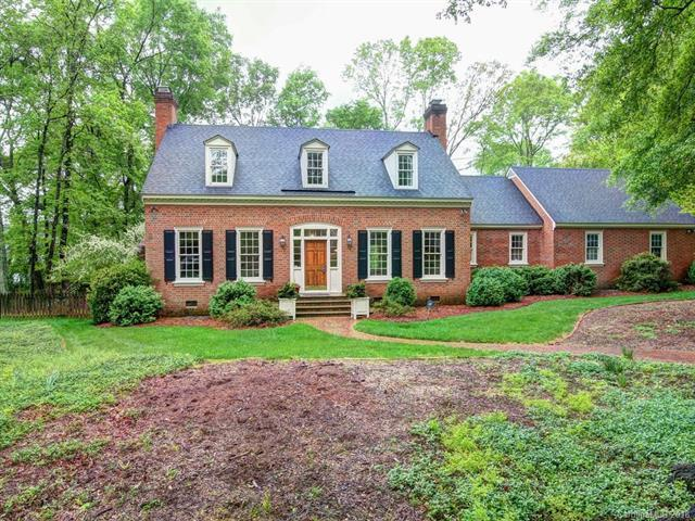 5730 Bentway Drive, Charlotte, NC 28226 (#3384732) :: Scarlett Real Estate