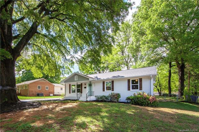 2638 Purser Drive, Charlotte, NC 28215 (#3384873) :: Charlotte Home Experts