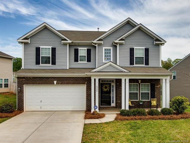 6906 Barefoot Forest Drive, Charlotte, NC 28269 (#3384915) :: Charlotte Home Experts