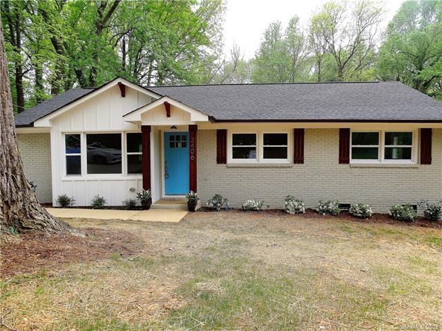 2406 Purser Drive, Charlotte, NC 28215 (#3385124) :: Charlotte Home Experts