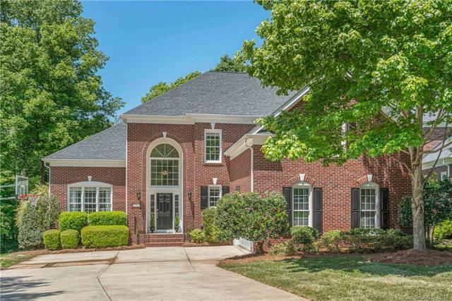 3209 Twelve Oaks Place, Charlotte, NC 28270 (#3385365) :: RE/MAX Metrolina