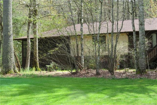 348 Surrey Lane, Brevard, NC 28712 (#3385947) :: LePage Johnson Realty Group, LLC
