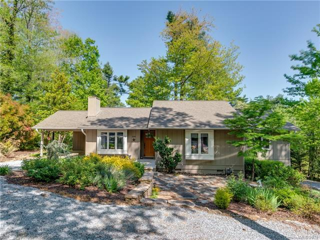 358 Whispering Woods Drive, Saluda, NC 28773 (#3386868) :: Puffer Properties
