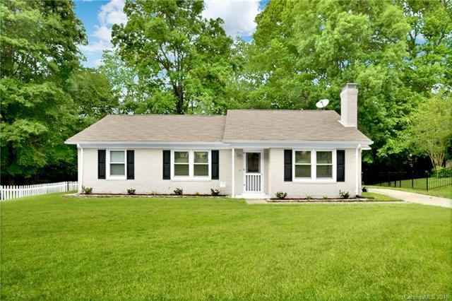 6426 Round Hill Road, Charlotte, NC 28211 (#3387546) :: LePage Johnson Realty Group, LLC