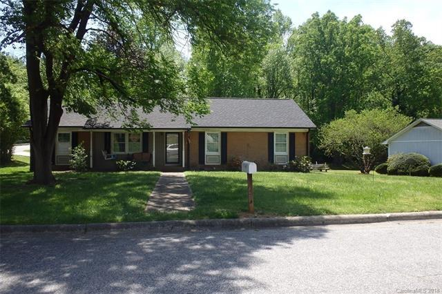 301 Rock Creek Drive, Lincolnton, NC 28092 (#3387645) :: Exit Realty Vistas