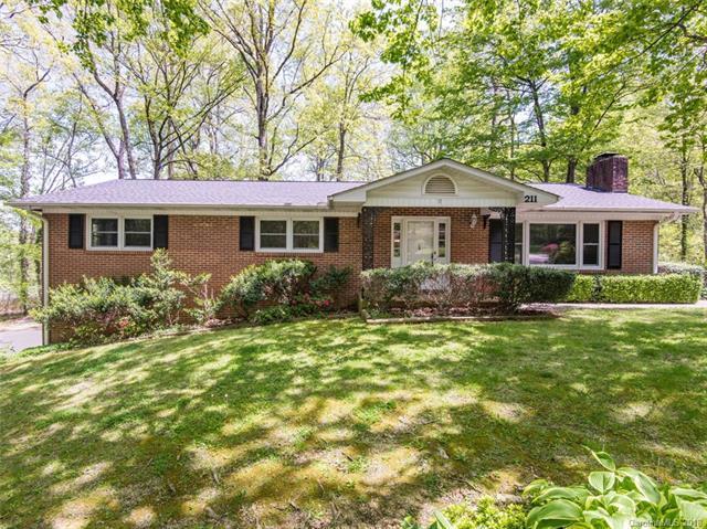 211 Beth Drive, Hendersonville, NC 28791 (#3388072) :: LePage Johnson Realty Group, LLC