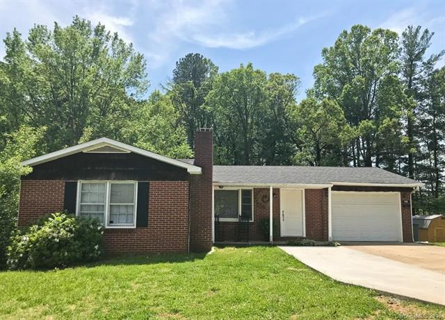 140 Perry Street, Marion, NC 28752 (#3388138) :: High Performance Real Estate Advisors