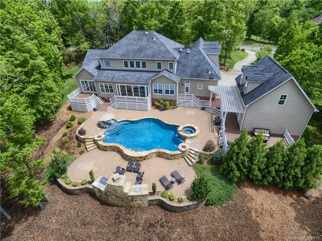 749 Cooks Cove Ridge, Lake Wylie, SC 29710 (#3388153) :: Miller Realty Group
