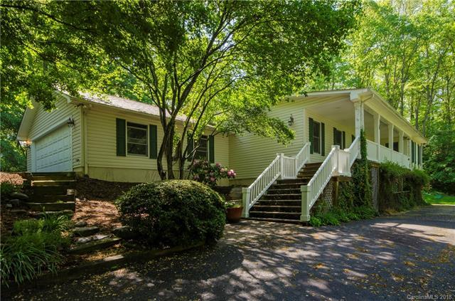 1028 Redfield Drive, Clyde, NC 28721 (#3388696) :: LePage Johnson Realty Group, LLC