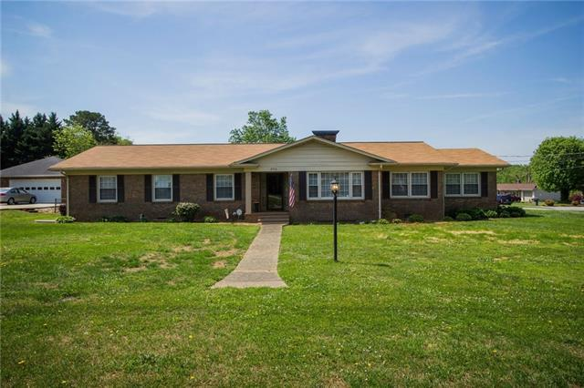 2710 24th Avenue NE, Hickory, NC 28601 (#3388965) :: Robert Greene Real Estate, Inc.