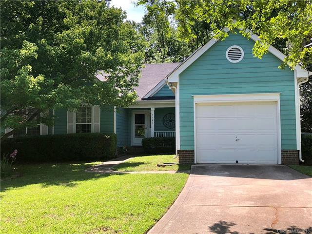 3502 Fernmoss Court, Charlotte, NC 28269 (#3389220) :: The Ramsey Group