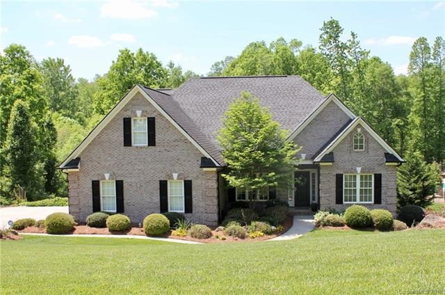 4509 Granite Hill Drive, Davidson, NC 28036 (#3389751) :: The Andy Bovender Team