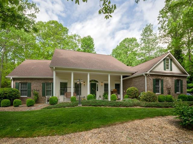 276 Sweetwater Hills Drive, Hendersonville, NC 28791 (#3390059) :: LePage Johnson Realty Group, LLC