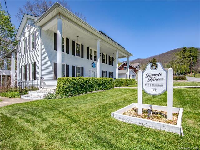109 Robertson Street, Burnsville, NC 28714 (#3390241) :: High Performance Real Estate Advisors