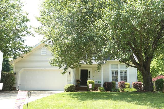 13608 Harvest Point Drive, Huntersville, NC 28078 (#3390258) :: LePage Johnson Realty Group, LLC