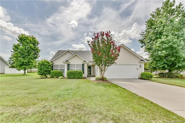 2000 Cranston Crossing Place, Indian Trail, NC 28079 (#3390307) :: Keller Williams South Park
