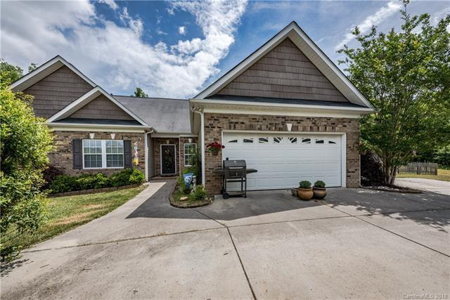 1211 Hidden Oaks Drive, Concord, NC 28025 (#3390491) :: The Ramsey Group