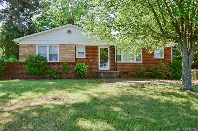 808 Pierson Drive, Charlotte, NC 28205 (#3390669) :: Odell Realty Group