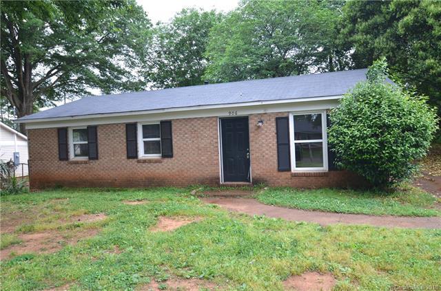 906 Dedmon Drive, Charlotte, NC 28216 (#3390824) :: Scarlett Real Estate