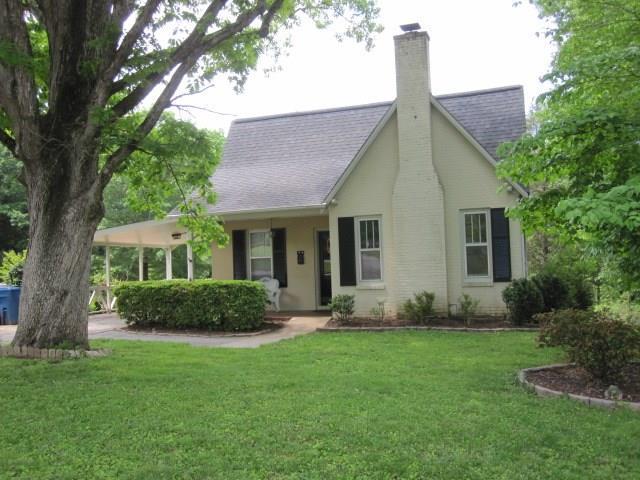 1091 4th Avenue Drive NW, Hickory, NC 28601 (#3390837) :: Robert Greene Real Estate, Inc.