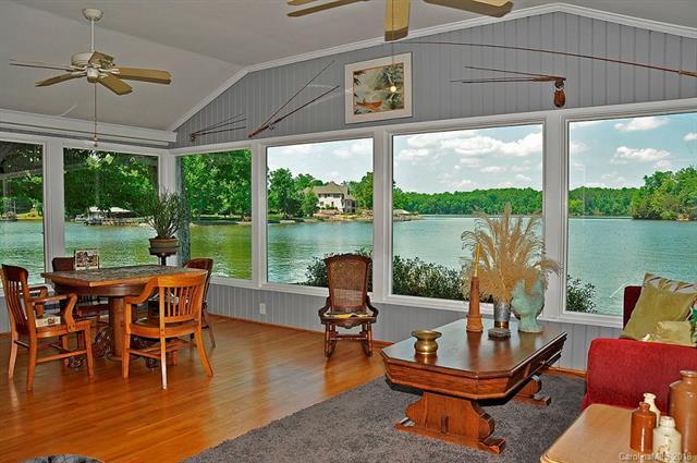 8008 Catawba Cove Drive, Belmont, NC 28012 (#3390868) :: RE/MAX Four Seasons Realty