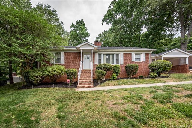 5439 Alpine Lane #16, Charlotte, NC 28269 (#3391069) :: LePage Johnson Realty Group, LLC