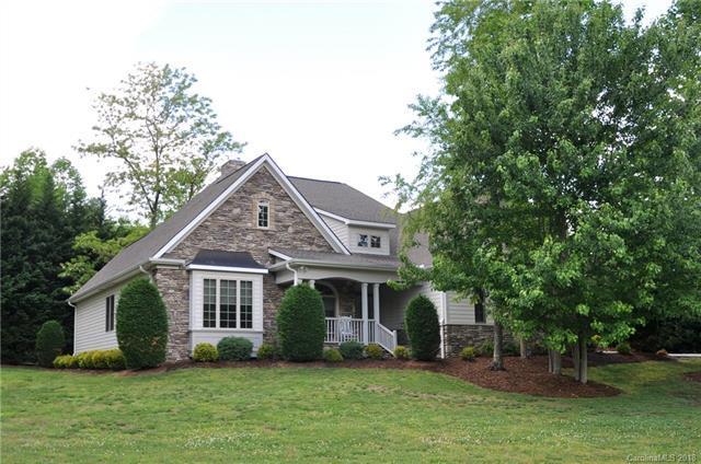 33 Willow Place Circle, Hendersonville, NC 28739 (#3391171) :: Leigh Brown and Associates with RE/MAX Executive Realty