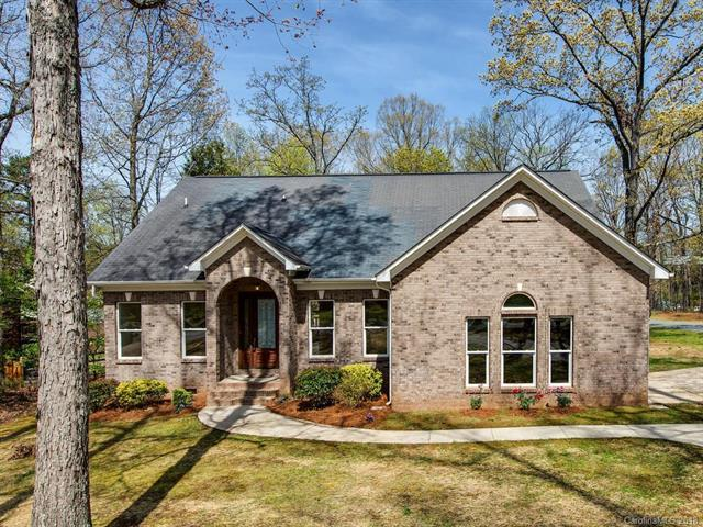 4953 Lakeview Road, Charlotte, NC 28216 (#3391421) :: LePage Johnson Realty Group, LLC