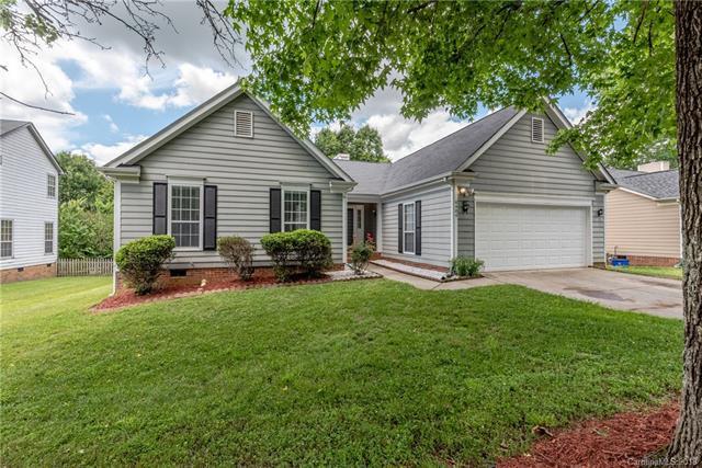 8404 Duckwood Lane, Charlotte, NC 28215 (#3391626) :: Stephen Cooley Real Estate Group