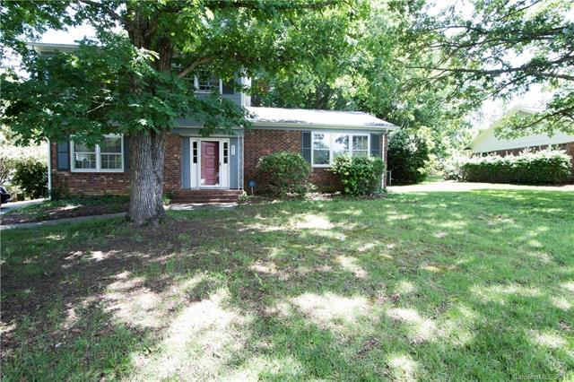 6312 Clearwater Drive, Indian Trail, NC 28079 (#3392132) :: The Ann Rudd Group
