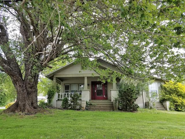 401 E Main Street, Burnsville, NC 28714 (#3392171) :: High Performance Real Estate Advisors