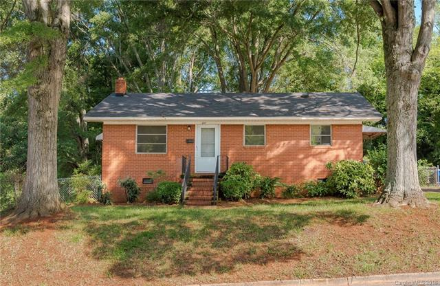 207 Charlotte Street, Mooresville, NC 28115 (#3392369) :: The Sarver Group