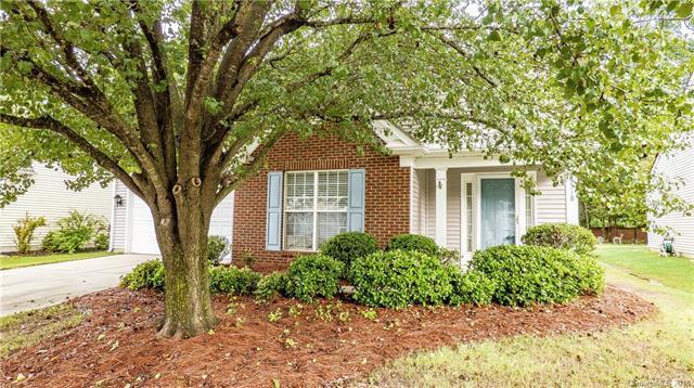 8518 Heron Glen Drive, Charlotte, NC 28269 (#3392505) :: Miller Realty Group