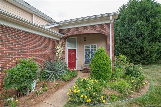 3706 Oak View Court, Matthews, NC 28105 (#3392642) :: High Performance Real Estate Advisors
