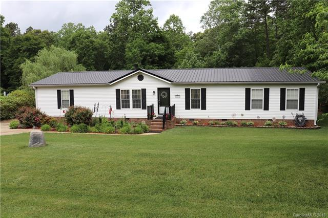 228 Clear Springs Road, Mooresville, NC 28115 (#3392713) :: Team Southline