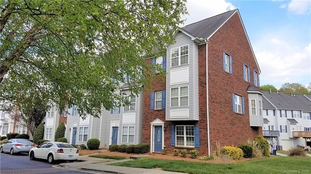 9919 Treeside Lane, Matthews, NC 28105 (#3392855) :: High Performance Real Estate Advisors