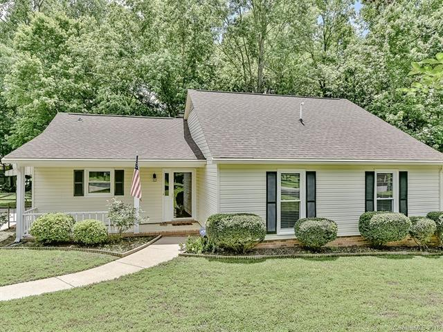 2324 Turnberry Lane, Charlotte, NC 28210 (#3392892) :: The Ramsey Group