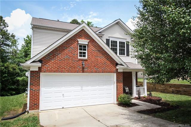 2827 Forest Grove Court, Charlotte, NC 28269 (#3393082) :: Odell Realty Group