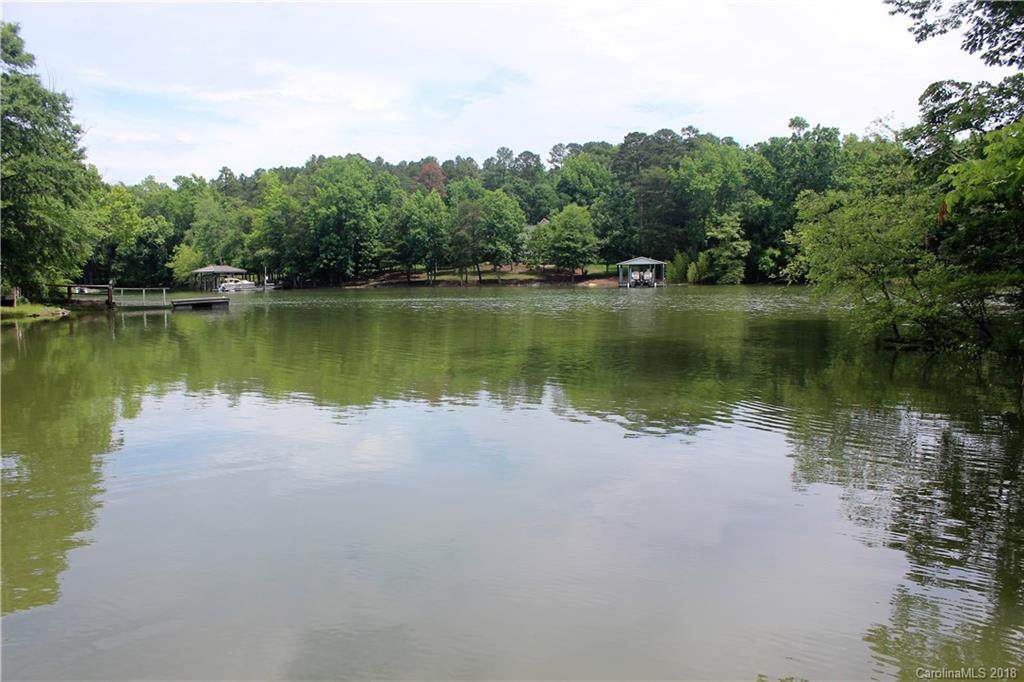 7044 Brookview Drive, Clover, SC 29710 (#3393105) :: Stephen Cooley Real Estate Group