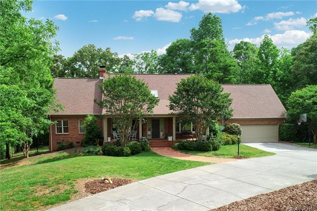 751 Williamsburg Court NE, Concord, NC 28025 (#3393162) :: The Ramsey Group