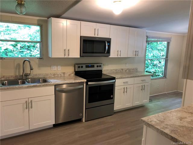 638 Avery Creek Road, Arden, NC 28704 (#3393165) :: Puffer Properties