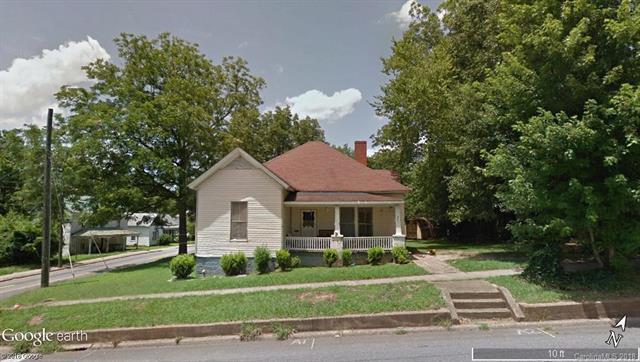 330 W Main Street, Lincolnton, NC 28092 (#3393171) :: High Performance Real Estate Advisors