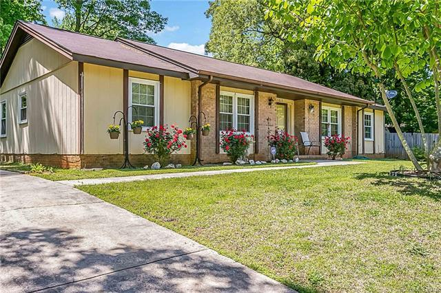 5019 Chestnut Lake Drive #4, Charlotte, NC 28227 (#3393246) :: High Performance Real Estate Advisors