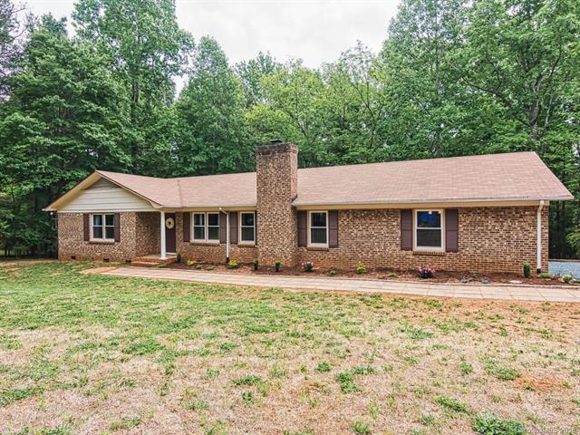 300 Yamasee Road, Waxhaw, NC 28173 (#3393410) :: The Premier Team at RE/MAX Executive Realty