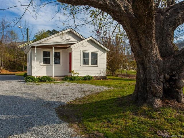 589 Old Hendersonville Highway, Brevard, NC 28712 (#3393445) :: RE/MAX RESULTS