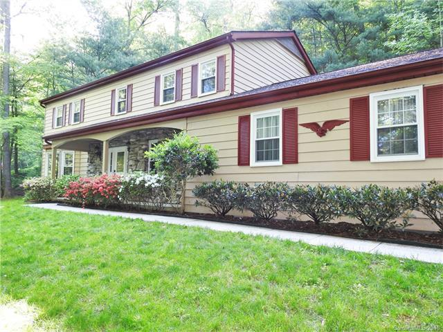 220 Estate Drive #12, Hendersonville, NC 28739 (#3393484) :: Caulder Realty and Land Co.