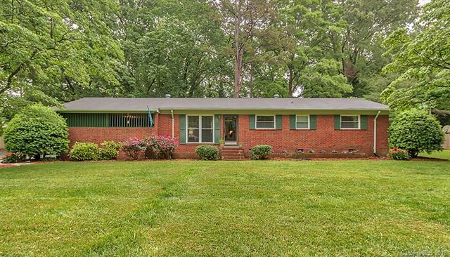 6812 Melody Lane, Charlotte, NC 28215 (#3393518) :: Puma & Associates Realty Inc.