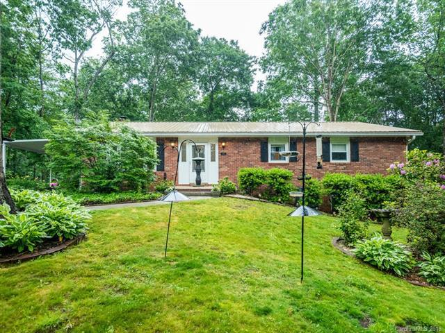 77 Amberjack Drive, Hendersonville, NC 28792 (#3393648) :: Caulder Realty and Land Co.
