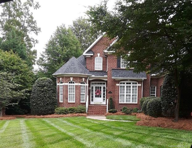 719 Donegal Court, Matthews, NC 28104 (#3393824) :: Leigh Brown and Associates with RE/MAX Executive Realty